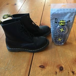 Dr. Martens & Cleaning kit